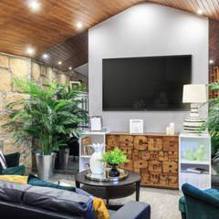 Sala: Salas de estar  por BENEDITO MARTINS