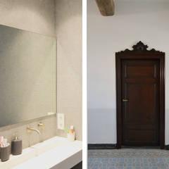 Renovatie monumentale hoeve: klasieke Badkamer door ARCHiD