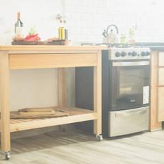 Mesa - Isla de cocina - móvil - multifuncional: Muebles de cocinas de estilo  por Mon Estudio