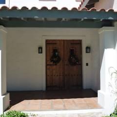 ประตู by Estudio Dillon Terzaghi Arquitectura - Pilar
