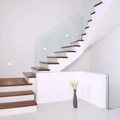 Stairs by homify,