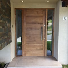 Front doors by Rocamadera Spa