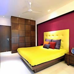 Neanpeanse Road, Mumbai:  Bedroom by DesignTechSolutions