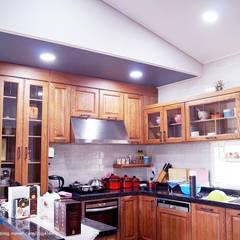 군산 2호 35평형 ALC전원주택: W-HOUSE의  주방 설비