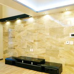 Salon moderne par W-HOUSE Moderne Marbre