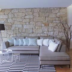 Apartamento Cais do Cavaco: Salas de estar  por Tangerinas e Pêssegos - Design de Interiores & Decoração no Porto