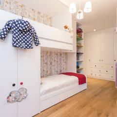 Kolorowe mieszkanie  na Mokotowie: styl , w kategorii Pokój dla dziwczynki zaprojektowany przez Modify- Architektura Wnętrz