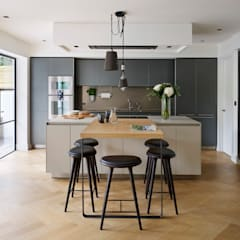 Timeless Living:  Kitchen by Kitchen Architecture