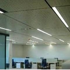 SARGRUP İNŞAAT VE ENERJİ LTD.ŞTİ. – fibercement tavan: minimal tarz tarz Çalışma Odası