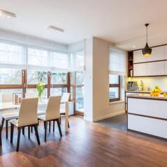 Mieszkanie na warszawskim Zolibożu: styl , w kategorii Aneks kuchenny zaprojektowany przez Modify- Architektura Wnętrz