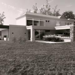 Projekty,  Dom rustykalny zaprojektowane przez áwaras arquitectos