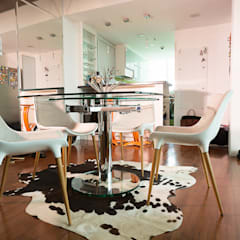 8 Forbes Town Road Golf View Residences:  Dining room by TG Designing Corner ,