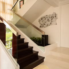 Tagaytay Southridge Estates:  Stairs by TG Designing Corner