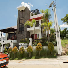 Tagaytay Southridge Estates:  Houses by TG Designing Corner