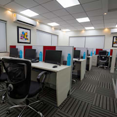 Panama Systems - Kolhapur:  Study/office by Spaceefixs,Modern