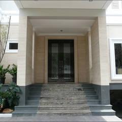 Tür von sony architect studio