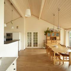 Interior-Fotografie: Skandinavisches Wohnen: skandinavische Esszimmer von Oliver Kuty Photography