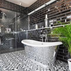 Richmond Showroom, TW9:  Bathroom by BathroomsByDesign Retail Ltd