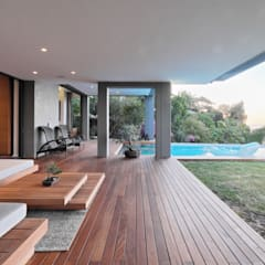 House Kloof Bantry Bay, Cape Town:  Zen garden by KMMA