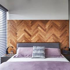 Sky Vue: scandinavian Bedroom by Eightytwo Pte Ltd