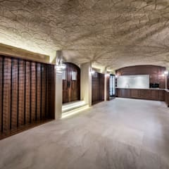 Wine Cellar:  Wine cellar by Moda Interiors