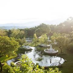 Jardines eclécticos de Co*Good Design Co. Ltd. Ecléctico