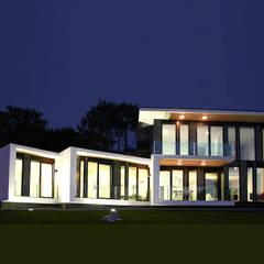 Boiro 2.0: Casas prefabricadas de estilo  de Proyectopia