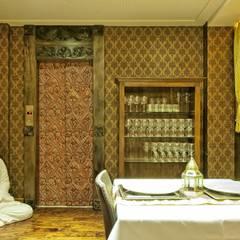 RESTAURANTE SWADISTH INDIANO: Espaços gastronômicos  por FERNANDA JUNG ARQUITETURA
