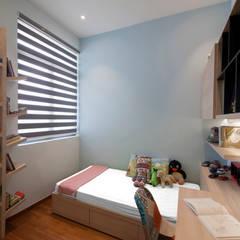 THE SKYWOODS: scandinavian Bedroom by Eightytwo Pte Ltd