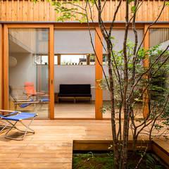 Anexos de estilo  por 中山大輔建築設計事務所/Nakayama Architects, Ecléctico
