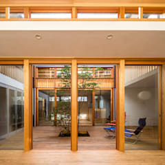 Wooden windows by 中山大輔建築設計事務所/Nakayama Architects, Eclectic