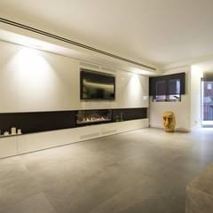 Interior Casa Particular: Comedores de estilo  de Luxiform Iluminación