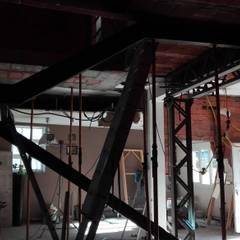 Diseño y reforma de vivienda unifamiliar en A Coruña: Escaleras de estilo  de A-kotar