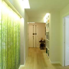 Koridor dan lorong oleh VITAE STUDIO - architettura, Mediteran