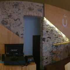 UMUNTU: Restaurantes de estilo  por Taller La Semilla