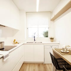 Cozinhas embutidas  por Laia Ubia Studio