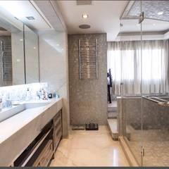 klassische Badezimmer von info10624