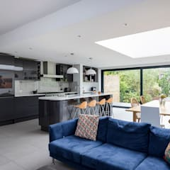 House Extension, Southgate, London:  Built-in kitchens by Model Projects Ltd