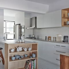 CLEMENTI PARK:  Kitchen units by Eightytwo Pte Ltd,Scandinavian