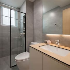 EASTWOOD GREEN 2:  Bathroom by Eightytwo Pte Ltd,Tropical