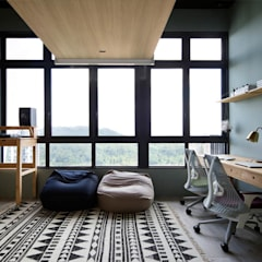 Study/office by Eightytwo Pte Ltd