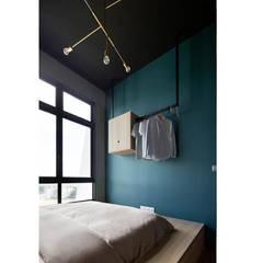 ECOSANCTUARY: scandinavian Bedroom by Eightytwo Pte Ltd