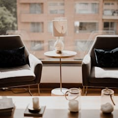 Apto Rema: Habitaciones de estilo ecléctico por Redesign Studio