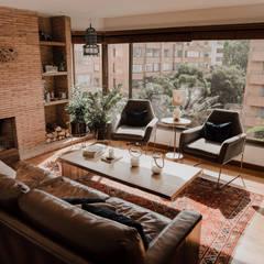 Apto Rema: Habitaciones de estilo  por Redesign Studio, Ecléctico