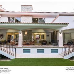 Nhà by Excelencia en Diseño