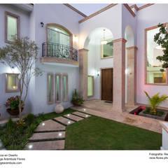 Houses by Excelencia en Diseño, Colonial