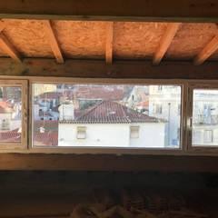 Largo do Terreirinho , Lisboa : Janelas   por CaixilhoPVC