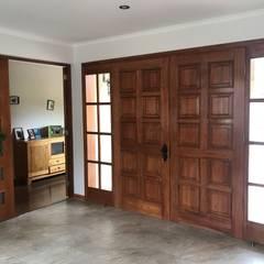 Doors by Área Urbana Arquitectos SpA
