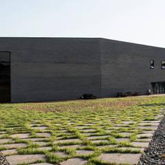 캔버스_너의배경이되는건축_몽트리파크 by AAG architecten 모던 벽돌