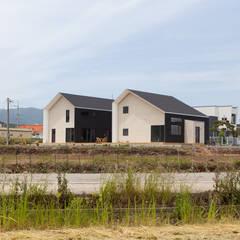 Rumah oleh 이웃건축, Modern